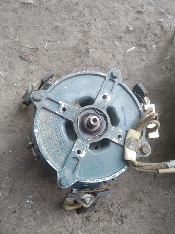 Електродвигун(Електромотор) ДАО-Ц 2780 об/хв, 100w
