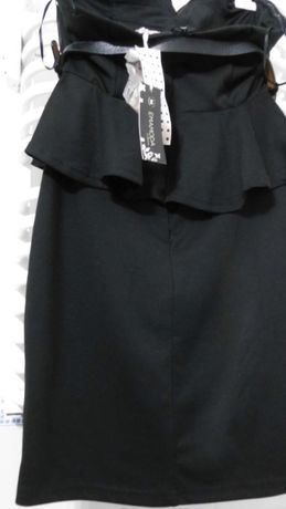 Śliczna czarna sukienka z baskinką. L/nowa/