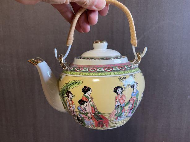 Чайник фарфоровый китайский