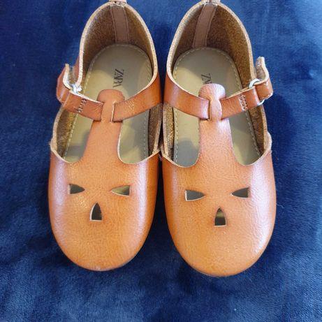 Skórzane pantofelki dla dziewczynki ZARA, roz 24