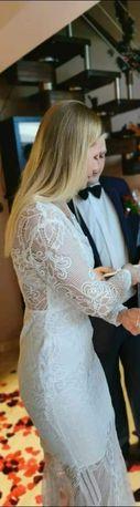 Sukienka slubna koronkowa