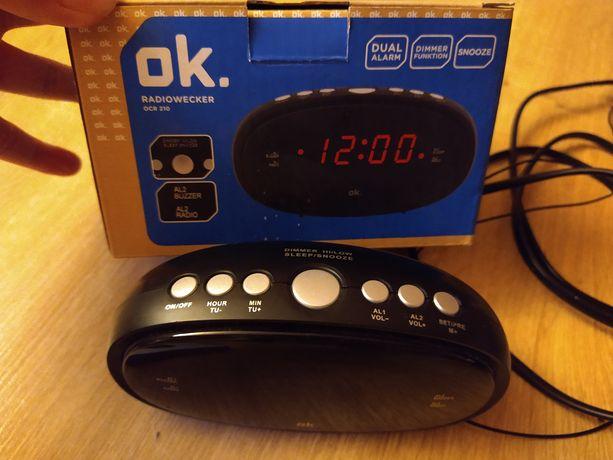 Radio budzik mały zgrabny