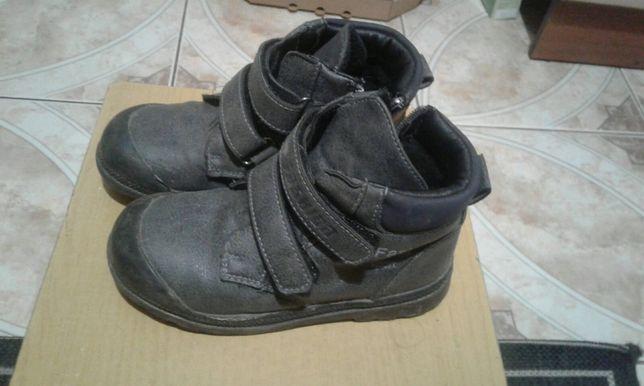 осінні теплі ботинки