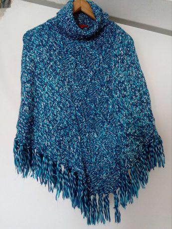 Ponchos em lã usados