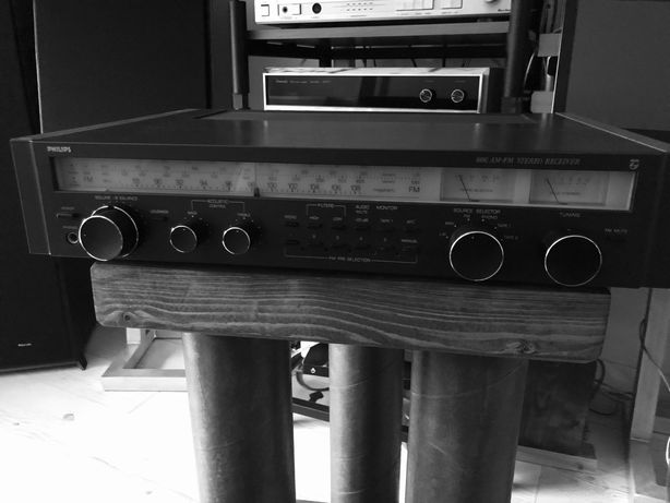 Amplituner Philips 606