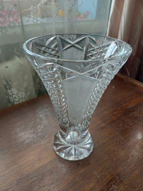 Хрустальная ваза 0.5л