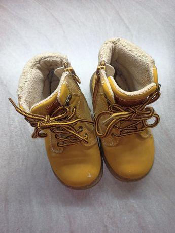 Детские желтые ботинки . Бренд TU  модные демисезонные ботинки