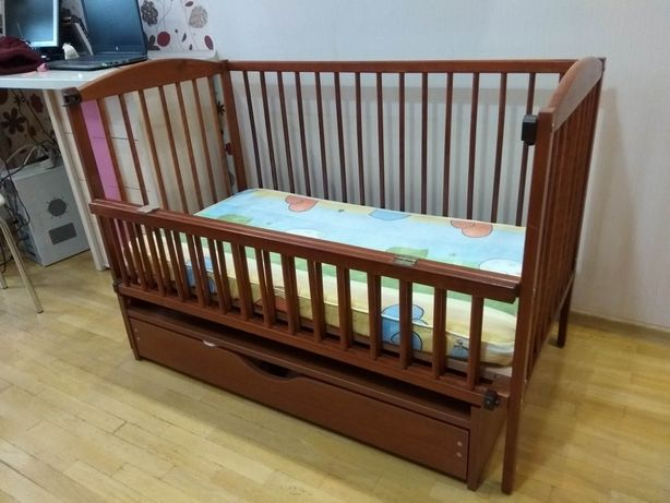 Кроватка на шарнирах, колиска, ліжечко + матрац