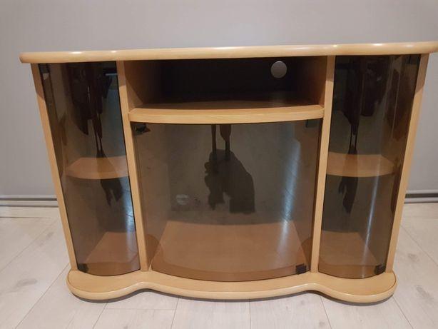 Praktyczna półka pod telewizor i miejsce na przechowywanie