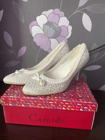 Туфли белые свадебные на каблуке гипюр 39 размер