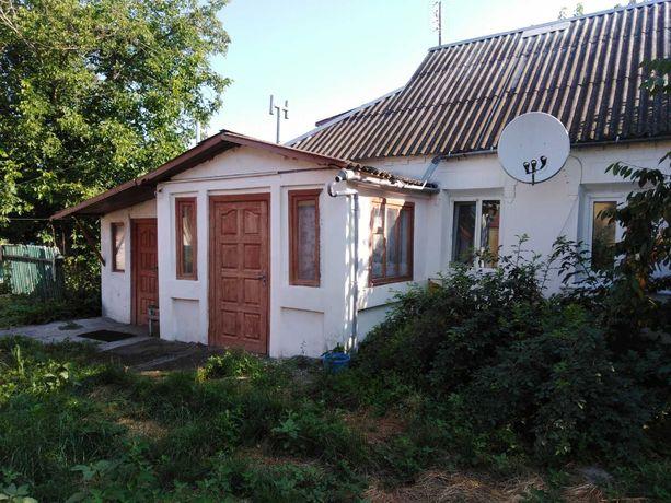 Продаётся дом в городе Узин