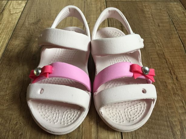 buciki , sandałki dziewczęce Crocs różowe rozmiar 22