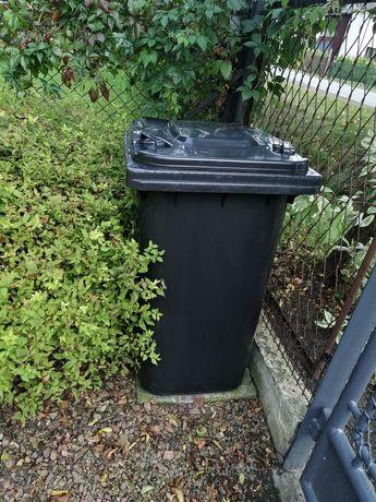 Pojemnik na odpady czarny kubeł na śmieci 240 litrów