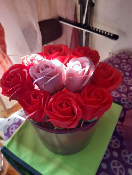 Букет роз из мыла -- подарок