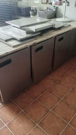 Bancada de trabalho refrigerada para pastelaria artigos em inox
