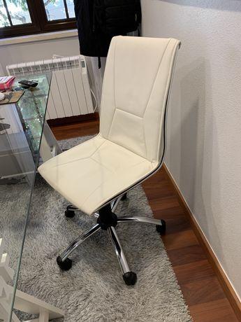 Cadeira de Escritório Creme