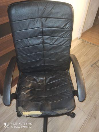 Fotel biurowy czarny