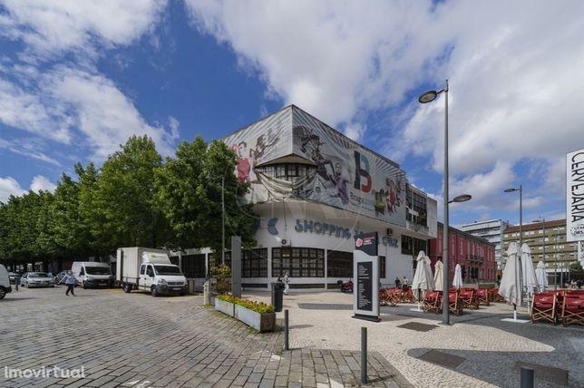 Loja Comercial no Centro Histórico de Braga!