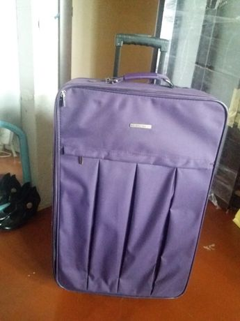 Продам чемодан дорожный