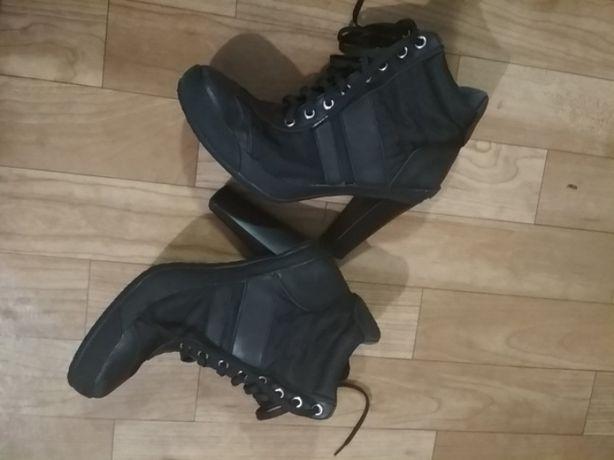 Кроссовки кеды на каблуке ботинки