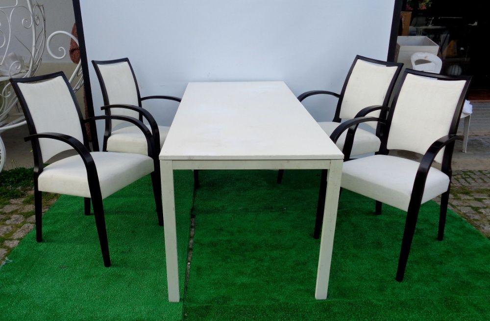 Cadeiras madeira com braços - Estofadas