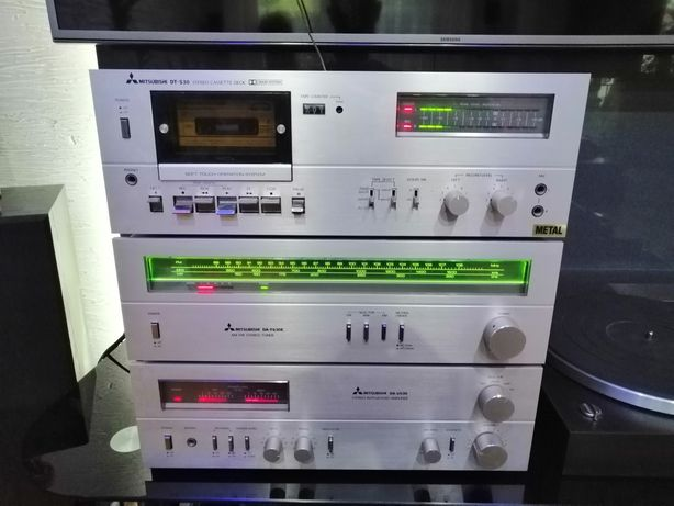 Piękna wieża Mitsubishi ALU 3 segmenty + gramofon