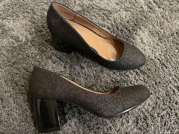Женские туфли 35 размер