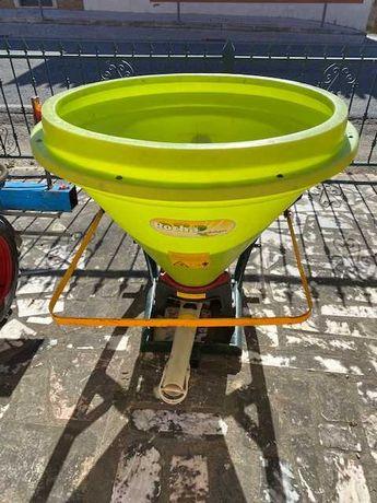 Distribuidor de Adubo pendular 500 litros Marca : Rocha