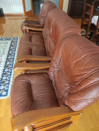 Vendo conjunto de três sofás
