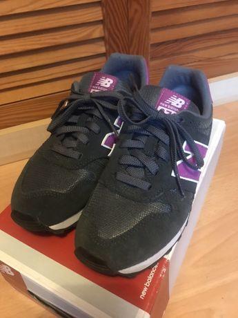 Buty sportowe zamszowe New Balance r. 37,5