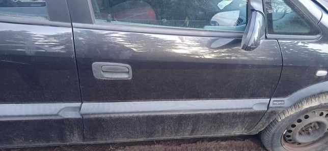Opel Zafira A 99r. drzwi prawy przod kompletne
