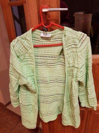 sweterek zielony!