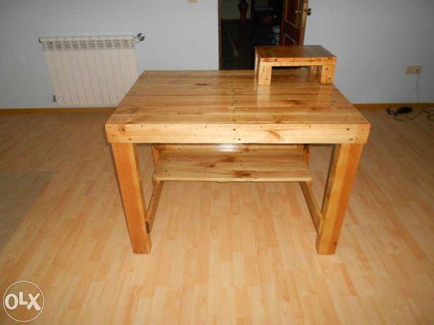 Secretaria em madeira maciça!!