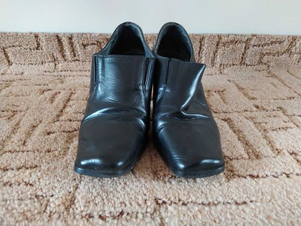 Skórzane buty na grubym obcasie