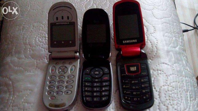 Stare telefony.