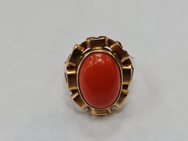 Koral! Wiekowy złoty pierścionek damski/ 585/ 5.92 gram/ R16