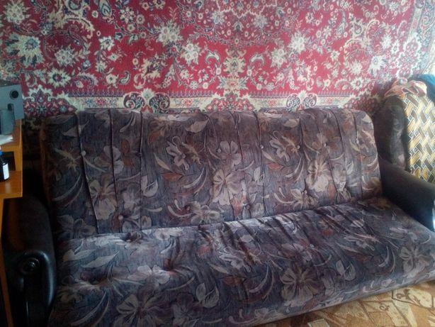 Продам розкладний диван, 2-х спальний, з двома кріслами