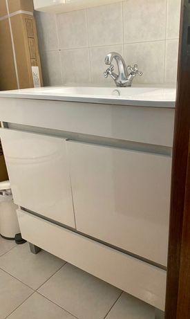 Vendo móvel com lavatorio WC