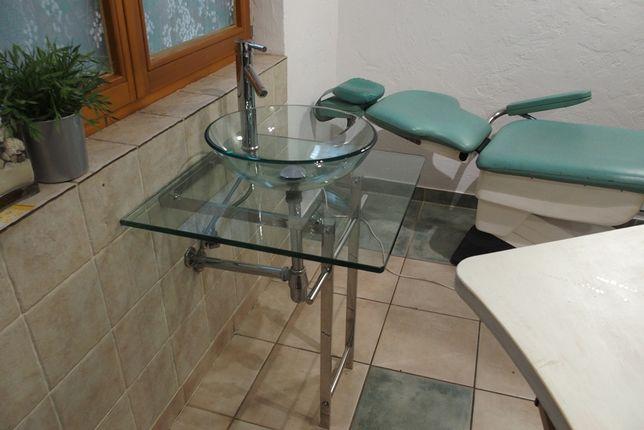 Umywalka szklana z blatem szklanym, nogami, baterią i syfonem-komplet