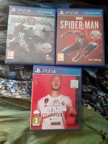 Spider-man, god of war, fifa 20