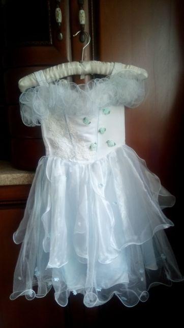 Бальное платье на утренник. Возраст 5-7 лет.