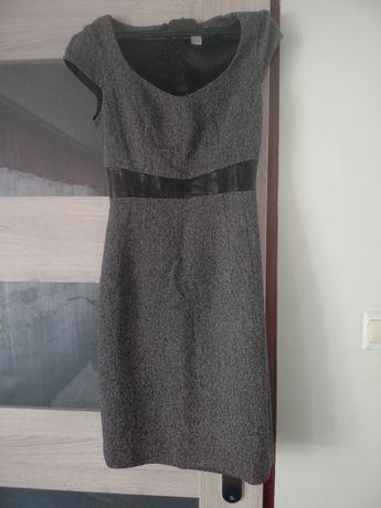Sukienka w rozmiarze z metki 34