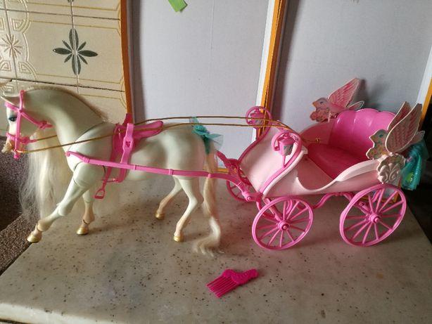 Cavalo da Barbie + Carruagem da Barbie