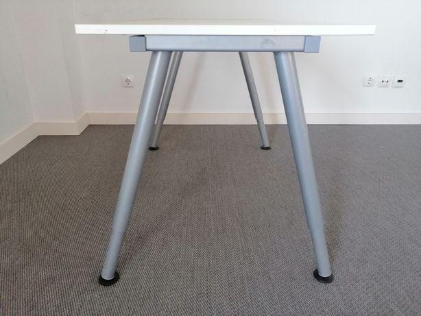 Mesa de escrtóri IKEA