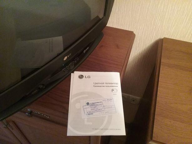 """Телевизор LG  21"""" +пульт управления."""