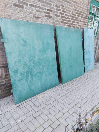 Продам гаражные ворота +дверь