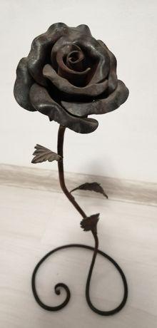 Продам кованную розу (декор)