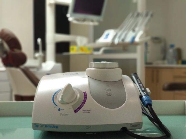 Стоматолог - проф. чистка, лечение зубов