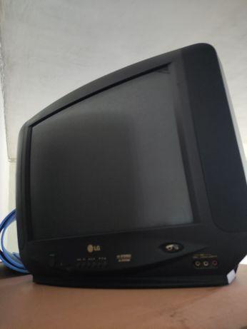 Телевизор LG Golden Eye 1998 г.в возможен обмен