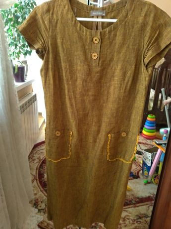 Жіноча лляна сукня